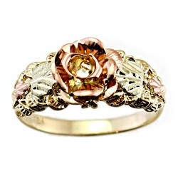 Size 7 Stunning Black Hills Gold Rose Ring
