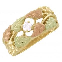 Beautiful 10K Black Hills Gold Ladies Diamond Ring w Leaves